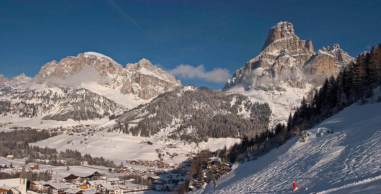 snow-covered Alta Badia in winter, ideal for holidays on skis